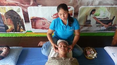 Facial Care Massage
