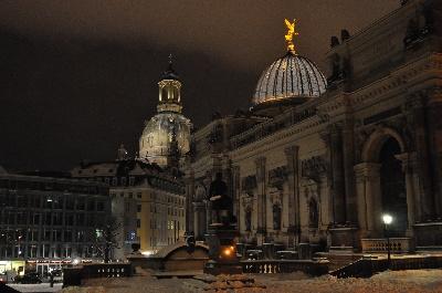 Winter- und Weihnachtsprogramme in Dresden erleben