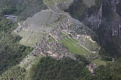 Blick auf Machu Picchu vom Huayna Pichu aus.