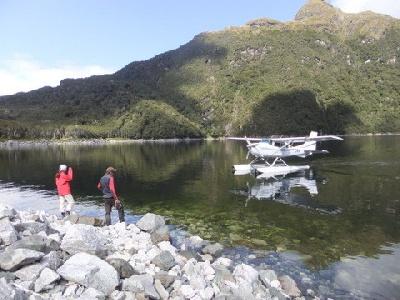 Mit dem Wasserflugzeug in die Wildnis des Fjordland National Parks